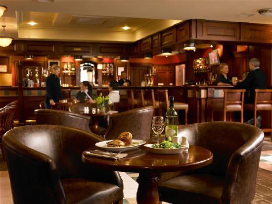 Downings Bay Hotel: JC's Bar