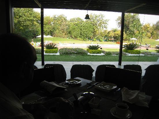 โรงแรม เดอะ เรดิสัน แจ๊ส คาจูราโฮ: vue du restaurant