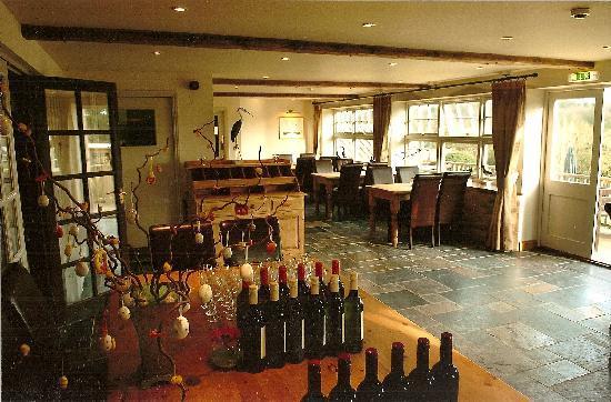 The King William IV Country Inn & Restaurant: Garden Restaurant