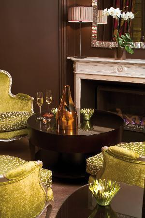 Champs Elysees Plaza Hotel: Lounge Bar Le 35