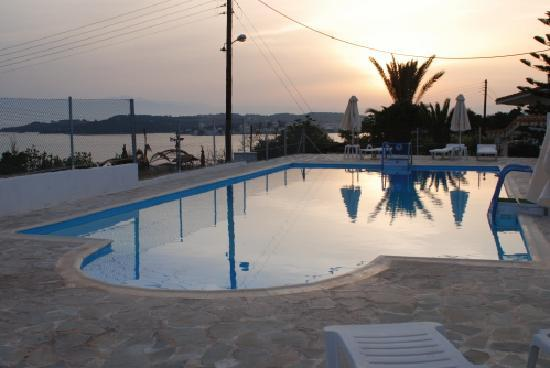 Long View Resort & Spa: swimming pool