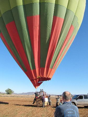 Ciel d'Afrique Hot Air Ballooning : Nearly ready for take off