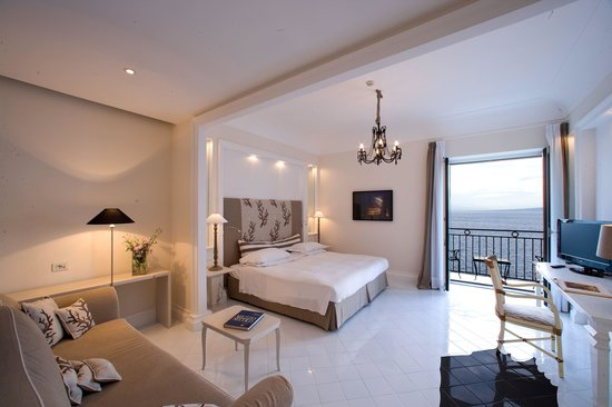 Bellevue Syrene: Deluxe Room with sea view