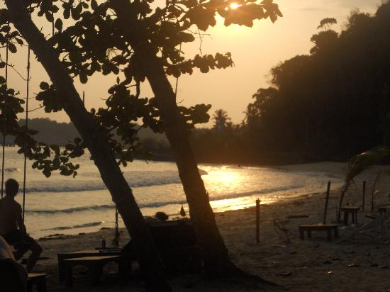 Klong Kloi Cottage: the beach