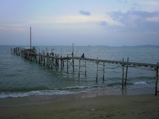 L' Hacienda: plage tout prés de l'hotel