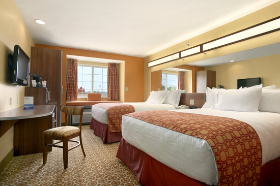 Microtel Inn & Suites by Wyndham South Bend/At Notre Dame University: Double Queen Room