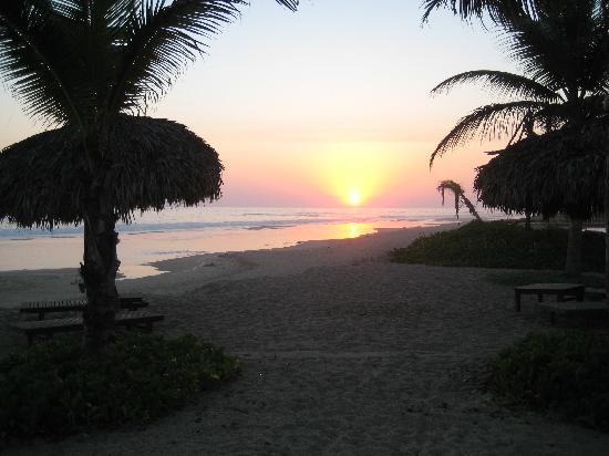 Playa Viva: Sunset2