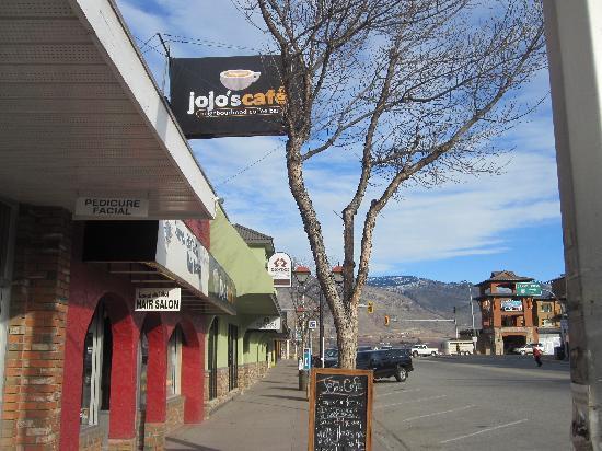 Jojo's Cafe: Looking East on Main Street