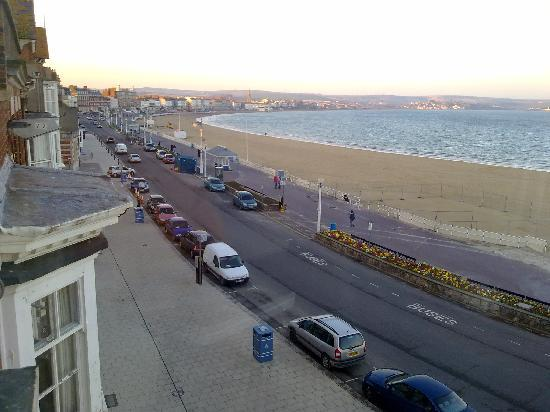 Bay View Hotel Weymouth: outof window room 10