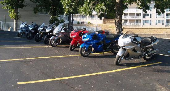 Kapilana Resort : Cool Bikes From a ZZR Club Stay