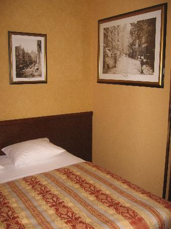 Wolne Miasto Hotel- Old Town Gdansk: Room view 2