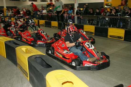 ‪Pole Position Raceway - Indoor Karting‬