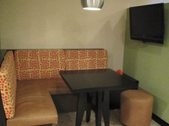 Residence Inn San Jose Escazu: dining area