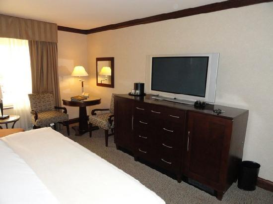 Ameristar Casino Hotel Council Bluffs: Flatscreen TV