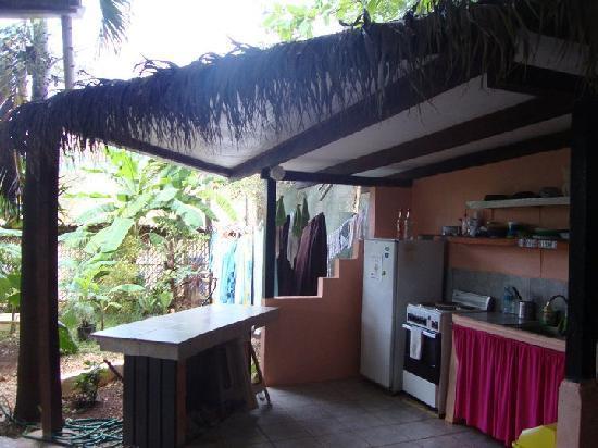 Pura Vida Hostel: One of the kitchens