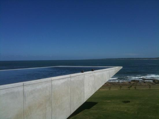 Jose Ignacio, อุรุกวัย: pool and the view of punta