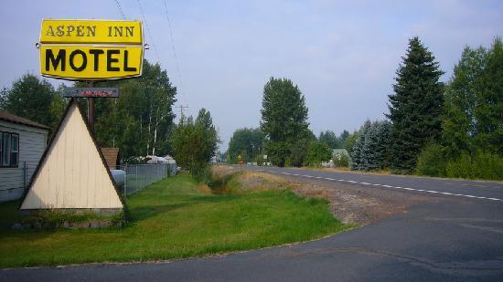 The Aspen Inn: Roadside Morning