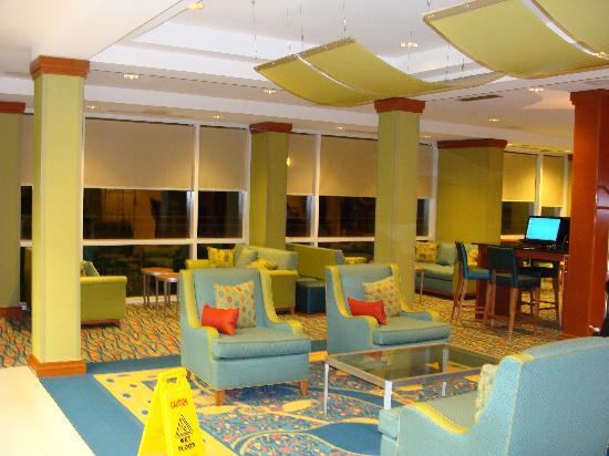 Fairfield Inn & Suites by Marriott Virginia Beach Oceanfront : Lobby