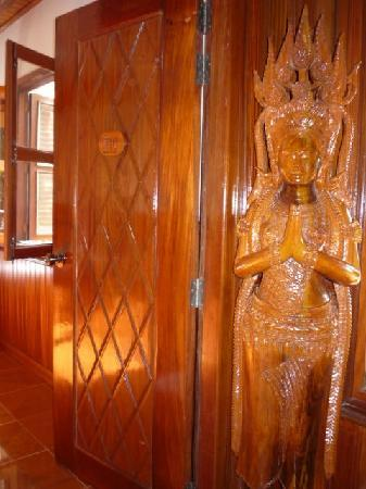 Bloom Garden Guesthouse Villa: Our Apsara welcomes you! :)