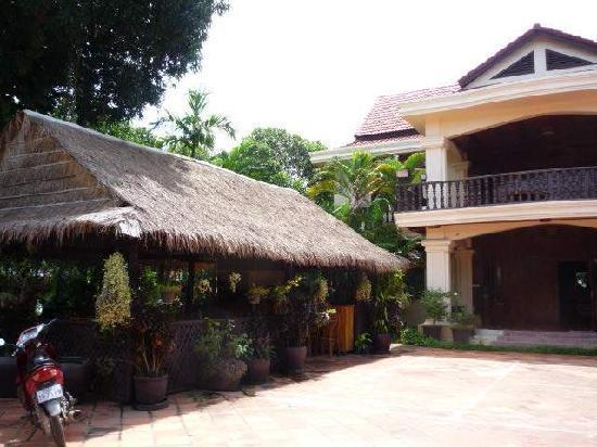 Bloom Garden Guesthouse: Bar/ restaurant