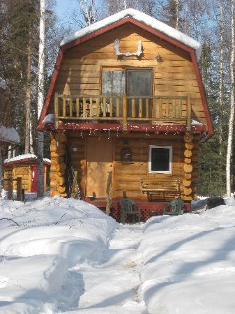 Riverbend Log Cabins & Cottage Rentals: Sourdough on a sunny March morning