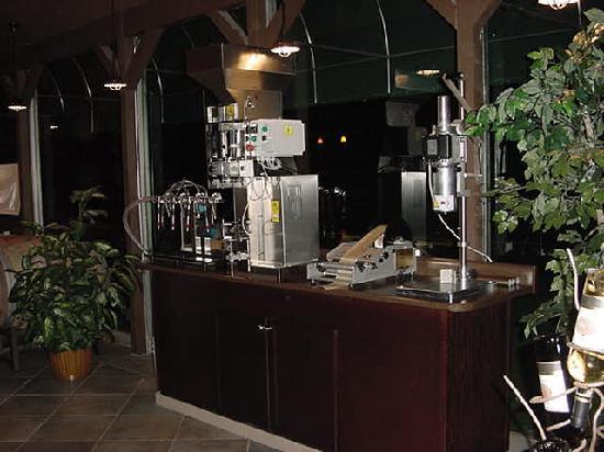 Laguna Canyon Winery: Bottling