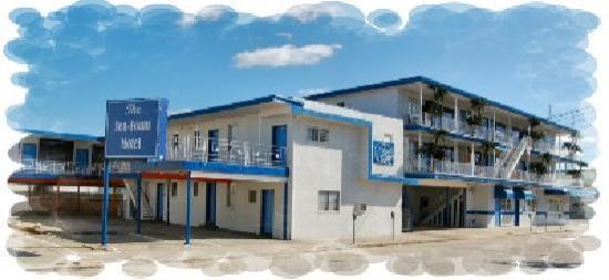 Sea Foam Motel: building