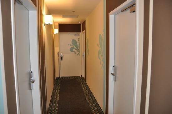 La Prima Fashion Hotel: Room view 302 corridor