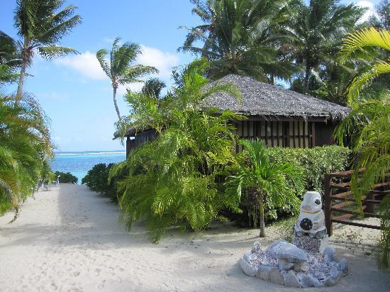 Rarotonga Beach Bungalows: View from a rear bure
