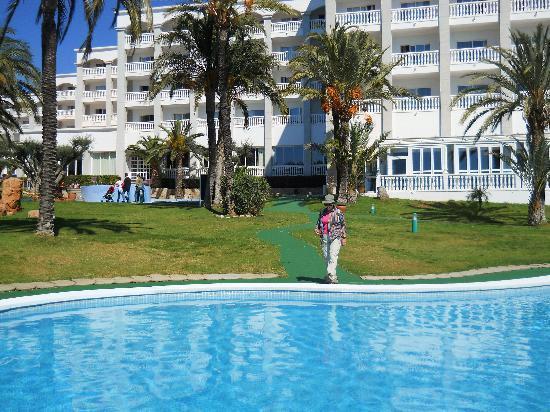 Gran Hotel Las Fuentes: Hôtel et piscine extérieur