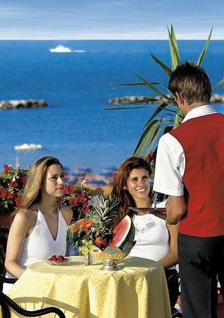 La terrazza vista mare dell hotel Missouri a Bellaria Igea Marina