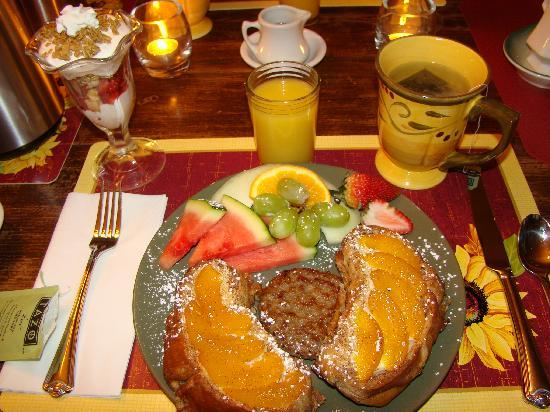 Piney Hill Bed & Breakfast: peach french toast...YUM!