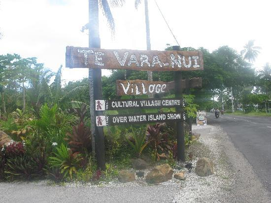 Te Vara Nui Village: SIGN