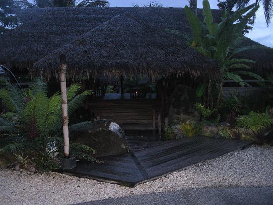 Te Vara Nui Village: THE FIRST DECK