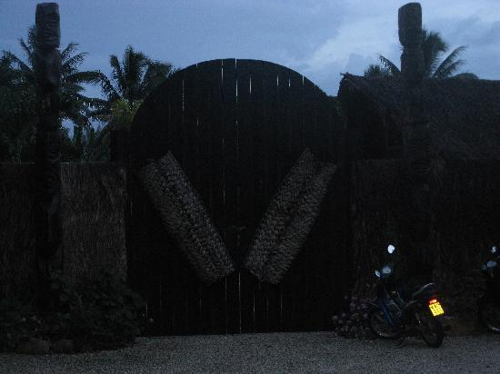 Te Vara Nui Village: ENTRANCE OF VILLAGE