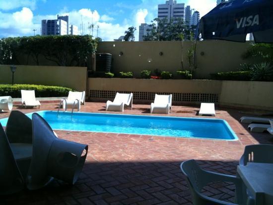 Harbor Self Buriti Suites Hotel: Pool