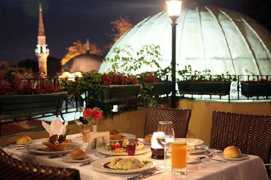 Matbah Ottoman Palace Cuisine : Restaurant Outdoor