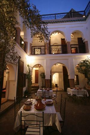 Riad Elixir: patio