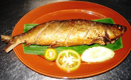 Pinoy Fiesta Ihaw Ihaw : Relyeno Bangus (stuffed boneless 'milk-fish')