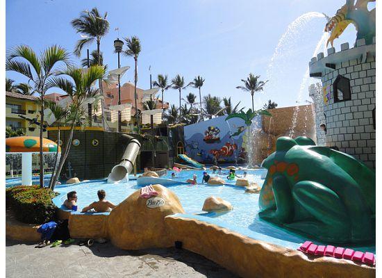 Crown Paradise Club Puerto Vallarta: water park
