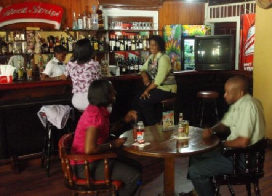 Liguanea Club : Bar