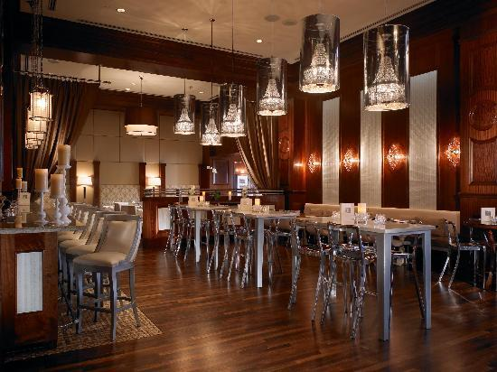The US Grant: Delight in Classic Cuisine and Crafty Cocktails - The Grant Grill Lounge
