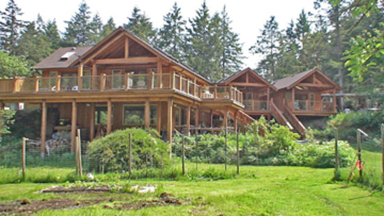 Gabriola Island, Canada: WurHere Bed and Breakfast cabins