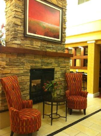 Residence Inn by Marriott Bryan College Station: Add'l lobby area