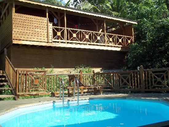 Résidence Les Hauts de Deshaies : Aruba et piscine