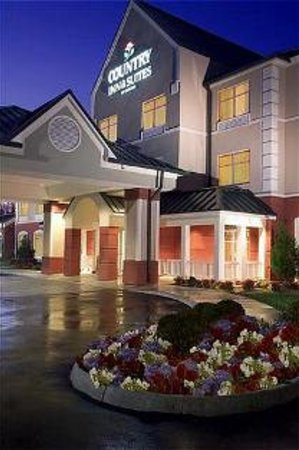 Country Inn & Suites By Carlson, Newport News South: Evening Exterior Photo