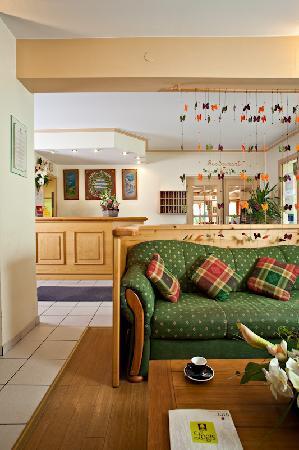 Hotel Athena: Salon