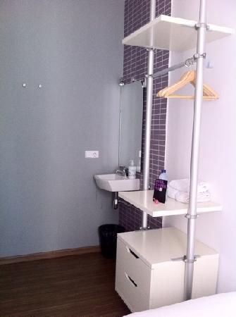 Hostal NITZS BCN: single room