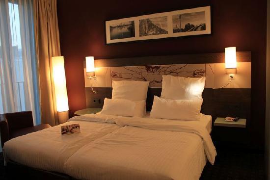 Leonardo Royal Hotel Munich: Bed