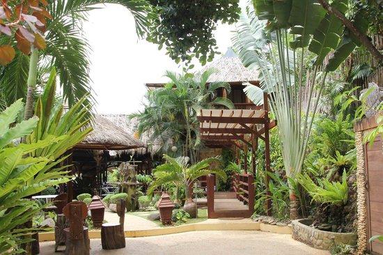 Mountain Bay Spa & Eco Resort: front hall